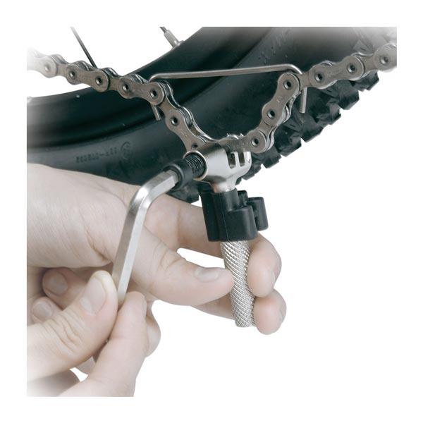 utilizzo smagliacatena topeak super chain tool
